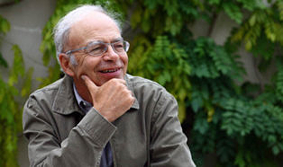 Peter Singer | Helping